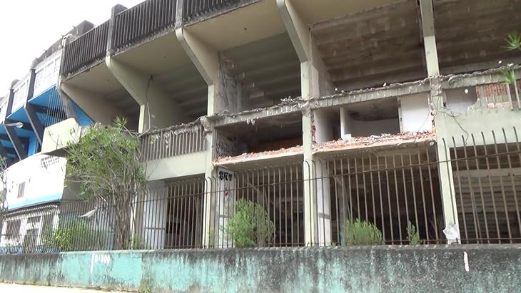 De chorar! Confira imagens do Olímpico e do Pinheirão completamente abandonados