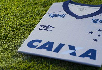 FOTOS: Nova terceira camisa do Cruzeiro homenageia conquistas do clube